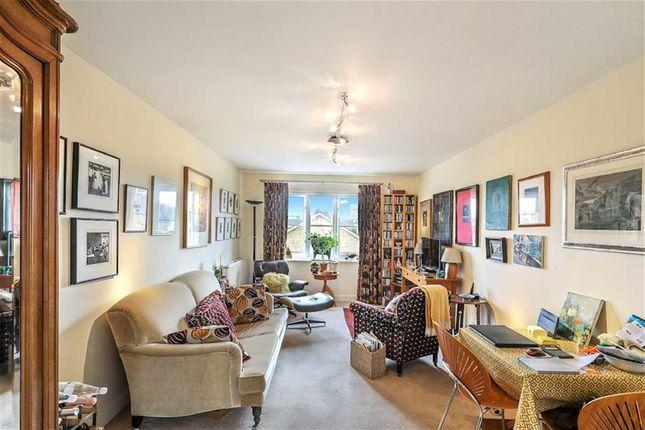 Thumbnail Flat for sale in Chestnut Grove, Penge, London