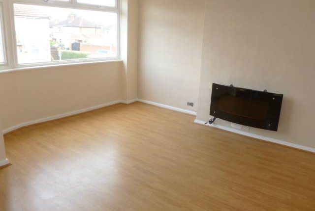 Thumbnail Flat to rent in Laburnum Road, Hayes, Middlesex