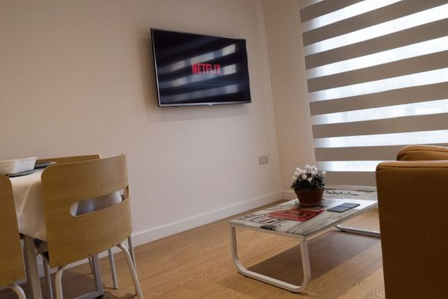 Photo 3 of Studio - Tatton House, 55 Hathersage Road, Manchester M13