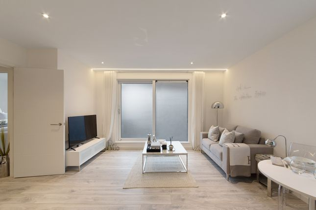 Thumbnail 1 bed flat for sale in Calum Court, Central Purley