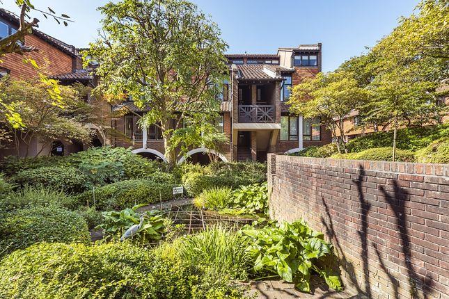 Thumbnail Flat to rent in Mallard Place, Twickenham