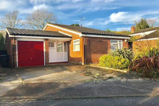 Thumbnail Detached bungalow for sale in Alwins Field, Leighton Buzzard