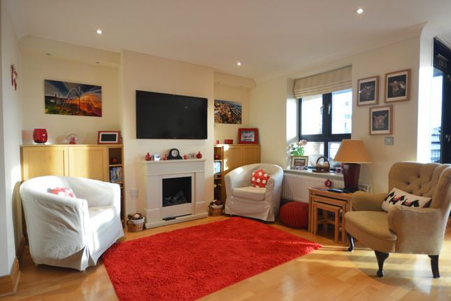 Flat For Sale In Charter House, Canute Road, Ocean Village, Southampton,  Hampshire