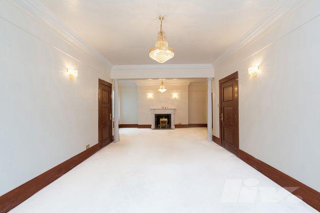 Flat to rent in Berkeley Court, Glentworth Street, Marylebone