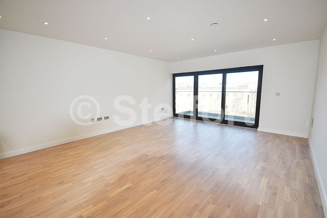 Thumbnail Flat for sale in Tufnell Park Road, Tufnell Park, Holloway, Islington