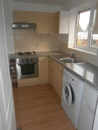 Thumbnail Flat to rent in Edwards Court, Slough