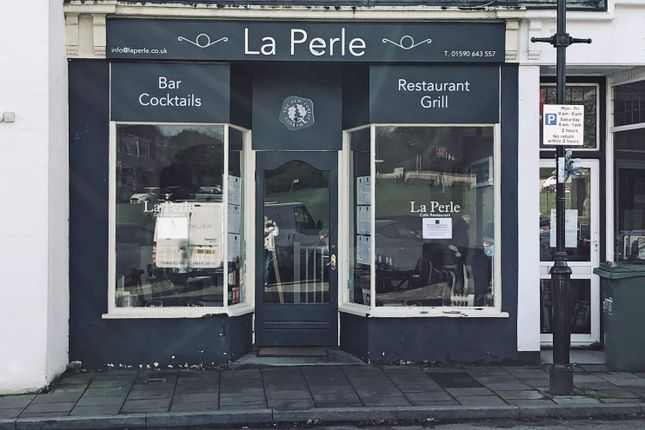 Thumbnail Restaurant/cafe for sale in Restaurant, Milford-On-Sea