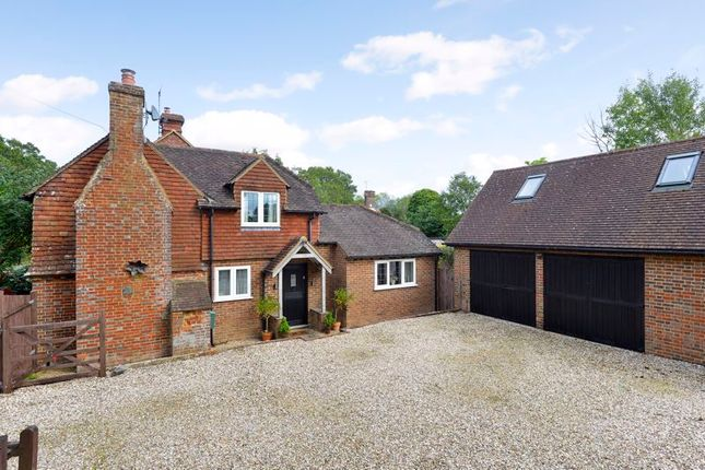 3 bed detached house for sale in Petworth Road, Chiddingfold, Godalming GU8