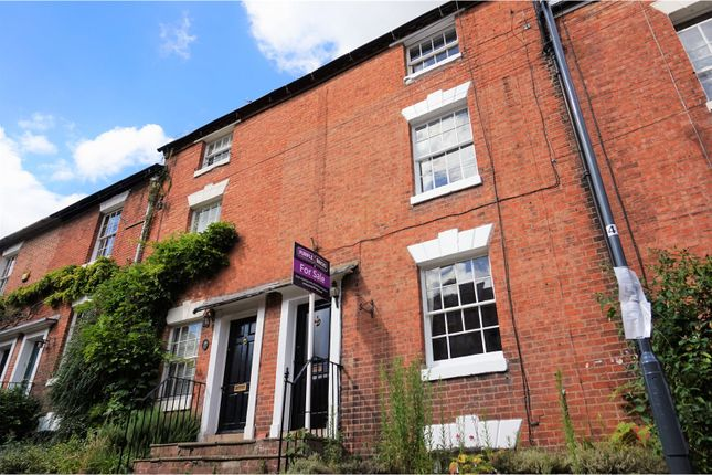 Thumbnail Terraced house for sale in Chapel Street, Warwick