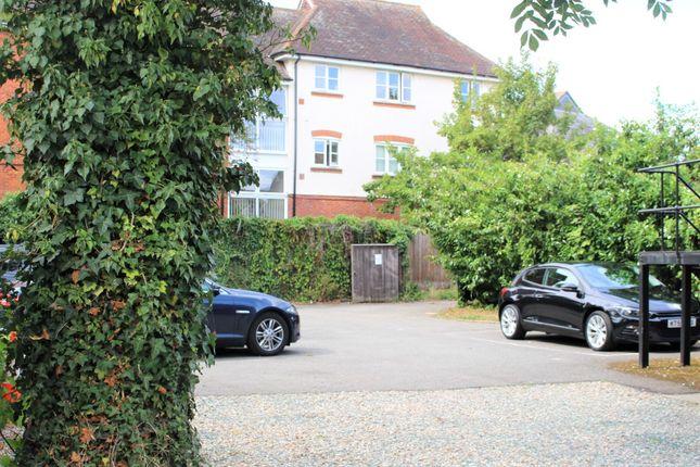 Thumbnail Maisonette to rent in High Street, Ingatestone, Essex