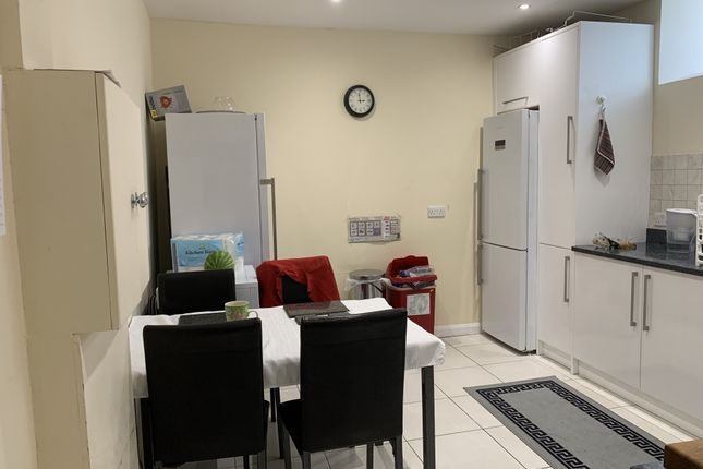 Thumbnail Terraced house to rent in Dylways, London