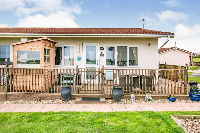2 bed mobile/park home for sale in Mill Lane, Bacton, Norwich NR12