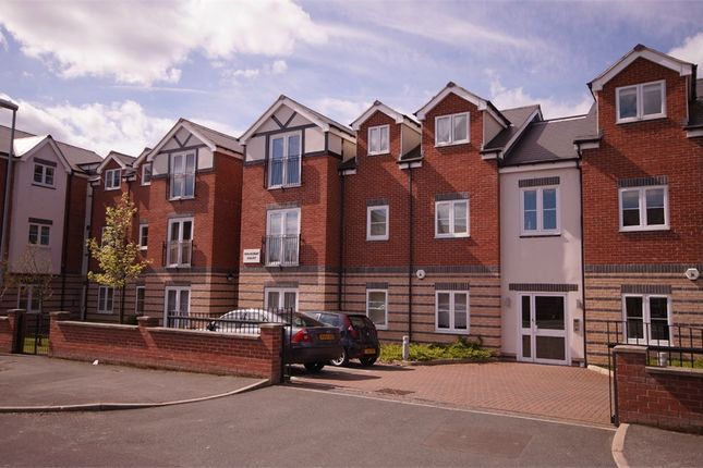 Thumbnail Flat to rent in Roundhay Court, Sutherland Avenue, Roundhay, Leeds