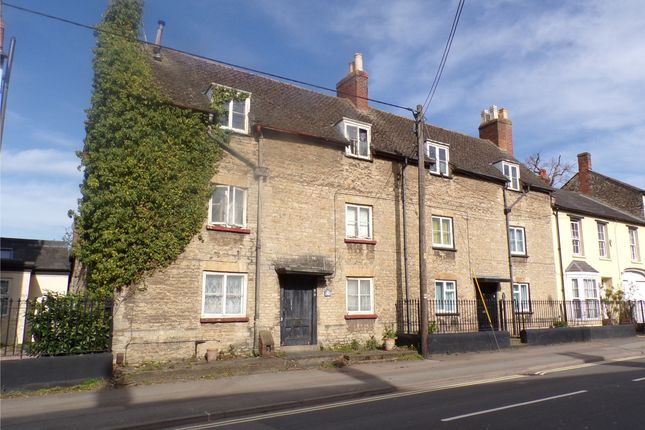Thumbnail Terraced house for sale in Kings End, Bicester, Oxfordshire
