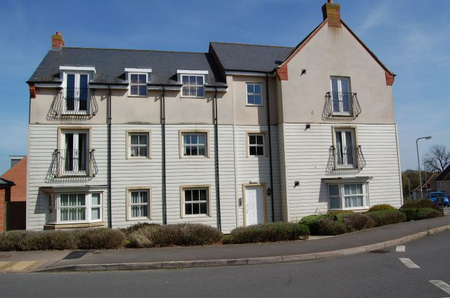 Thumbnail Flat to rent in Farnborough Drive, Middlemore, Daventry