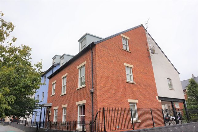 Thumbnail Flat for sale in Lion Street, Abergavenny