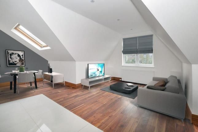 2 bed flat for sale in Addiscombe Road, Croydon CR0