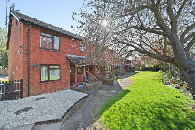 2 bed maisonette for sale in Cherry Trees, The Meads, Ingatestone CM4