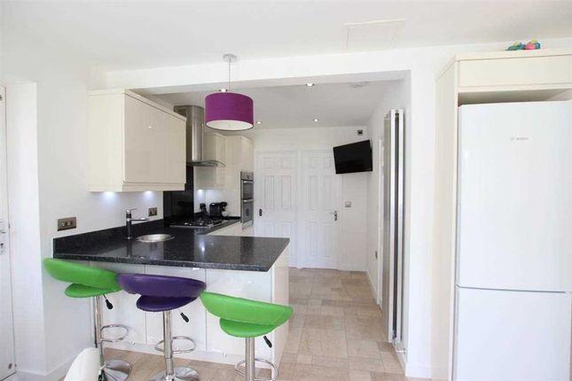 Kitchen of Kensington Way, Leeds LS10