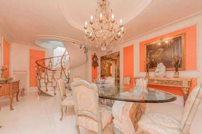 Thumbnail Town house for sale in Via Dei Cappuccini, 00187 Roma Rm, Italy