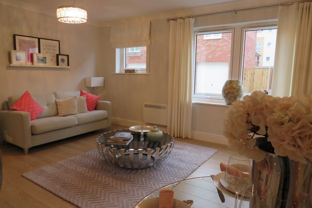 Thumbnail Flat for sale in Tatler Close, Warwick