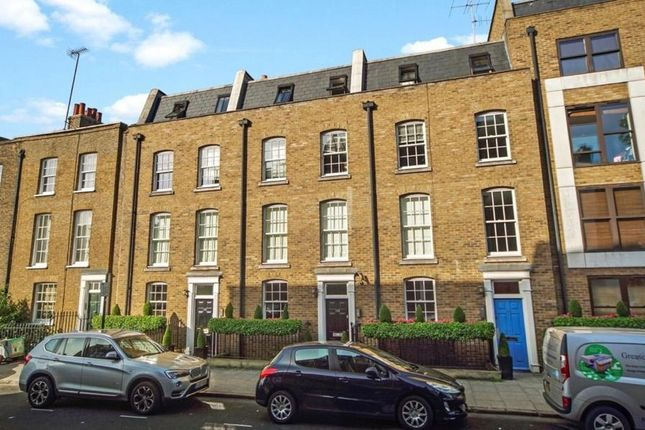 2 bed flat to rent in Arlington Road, London NW1