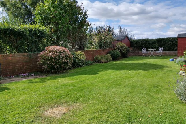 Garden of Wayside Green, Woodcote, Reading RG8