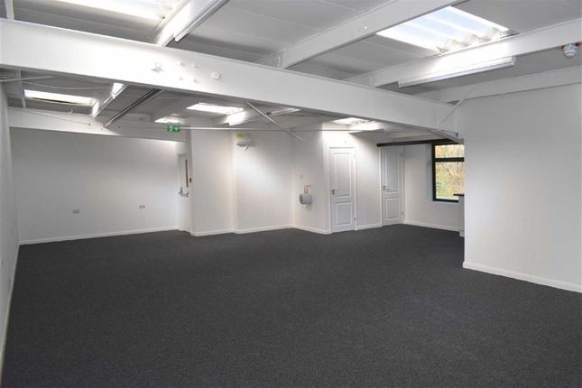 Thumbnail Office to let in Chigwell Lane, Loughton, Essex