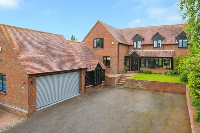 Thumbnail Detached house for sale in Fish Ponds Lane, Thame
