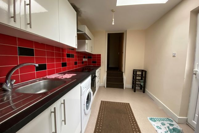 Thumbnail Flat to rent in Portswood Park, Portswood Road, Southampton