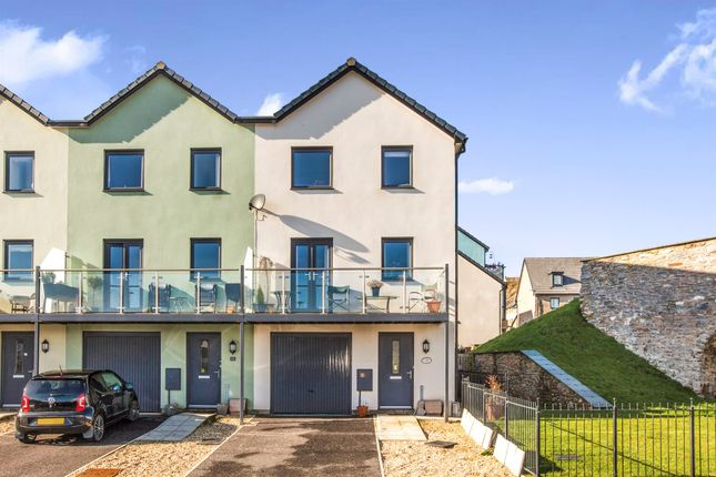 Thumbnail Town house for sale in Sunnyside, Boringdon Road, Turnchapel, Plymouth