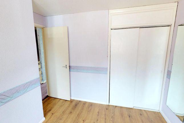 G7S79Zpaprx - Bedroom 1