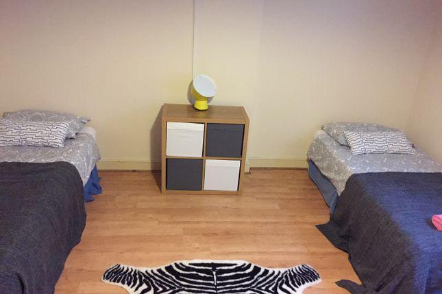 Thumbnail Room to rent in Chatsworth Road, Kilburn