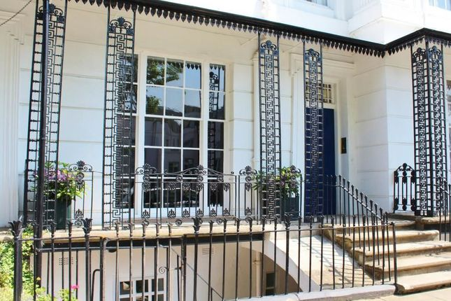 Thumbnail Flat to rent in Lansdowne Crescent, Willes Road, Leamington Spa