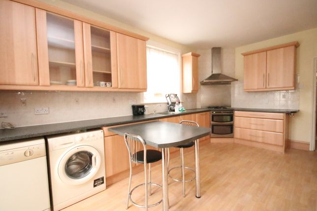 Thumbnail Terraced house to rent in Eastern Road, Wood Green