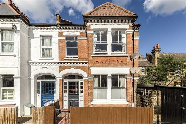Thumbnail Flat for sale in Netherfield Road, London