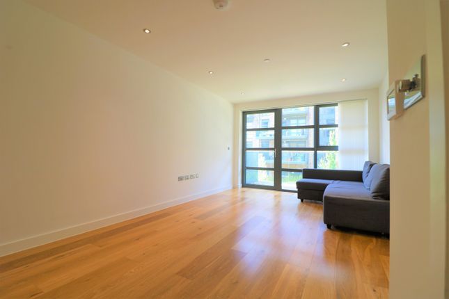 1 bed flat for sale in Alwen Court, 6 Pages Walk, London SE1