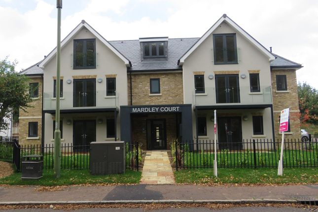 Thumbnail Flat to rent in Great North Road, Welwyn
