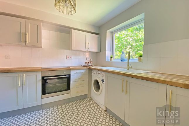 Thumbnail Flat for sale in Trinity Street, Enfield