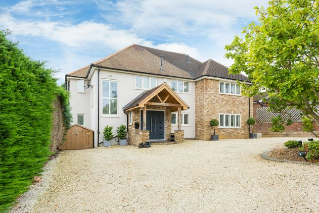 Thumbnail Detached house for sale in The Mount, Rickmansworth, Hertfordshire