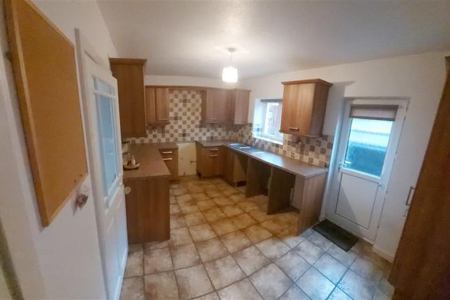 Thumbnail Property to rent in Gomer Road, Townhill, Swansea