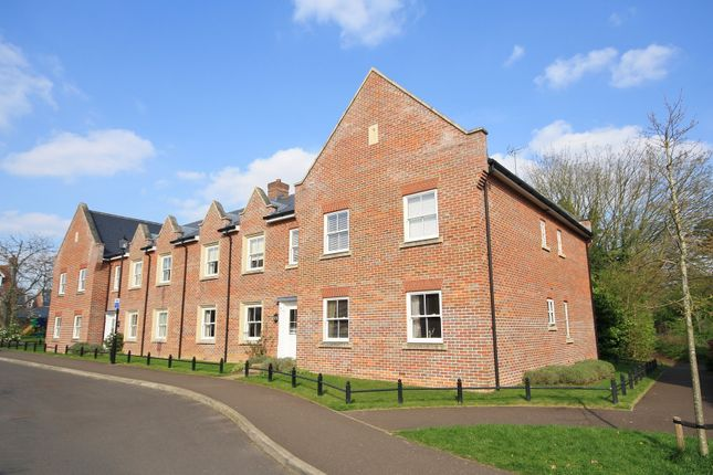 Thumbnail Flat to rent in St Michaels Avenue, Aylsham, Norfolk
