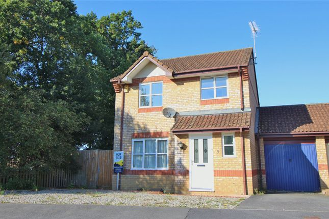 Thumbnail Bungalow for sale in Higher Westlake Road, Roundswell, Barnstaple