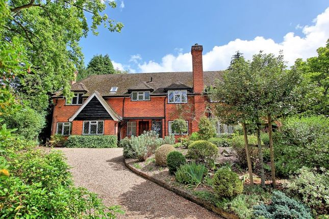 Thumbnail Detached house for sale in Lincoln Road, Chalfont St. Peter, Gerrards Cross