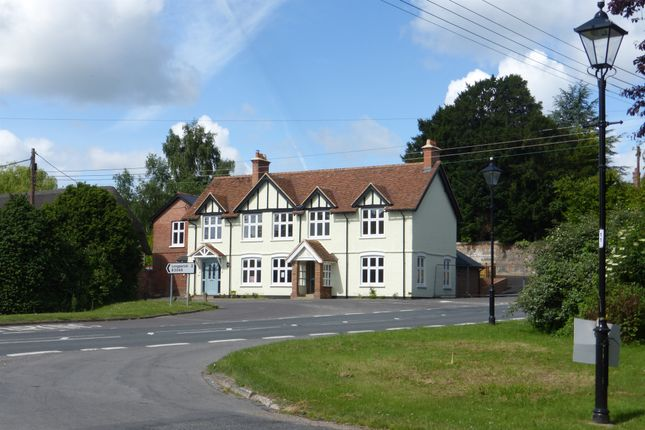 Thumbnail Cottage for sale in Longparish Road, Hurstbourne Priors, Whitchurch