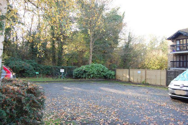 Photo 12 of High Road, Buckhurst Hill IG9