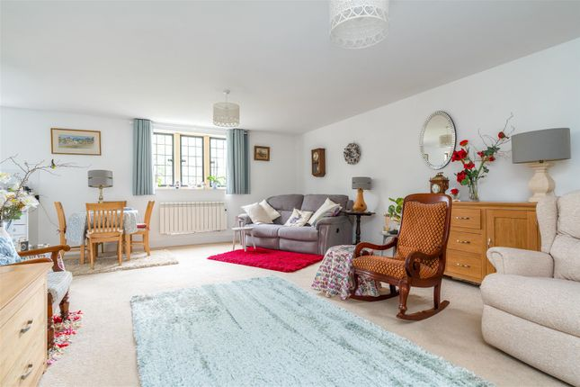 Thumbnail Flat for sale in New Road, Moreton In Marsh, Gloucestershire
