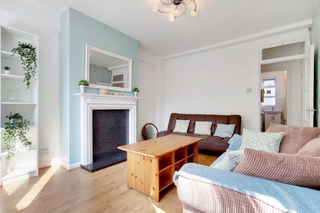 Thumbnail Flat for sale in St. Agnes Place, London