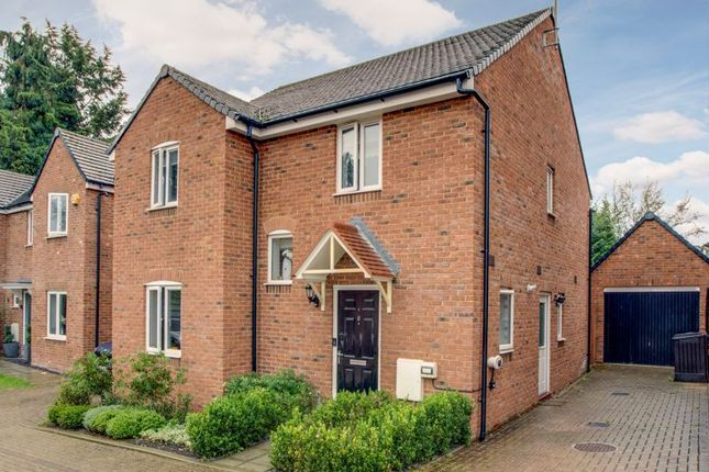 Thumbnail Detached house for sale in Sandsdown Close, High Wycombe