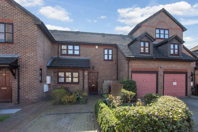 Thumbnail Detached house for sale in Bartlett Close, London